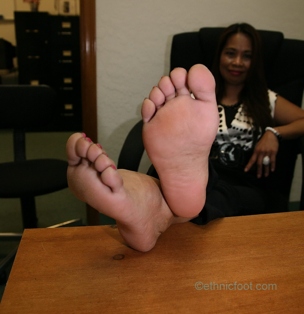 image Ethnic feet and soles interview in the salon
